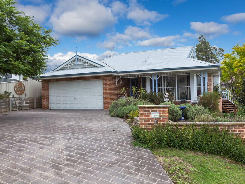 1 Michener Court, Long Beach, NSW 2536