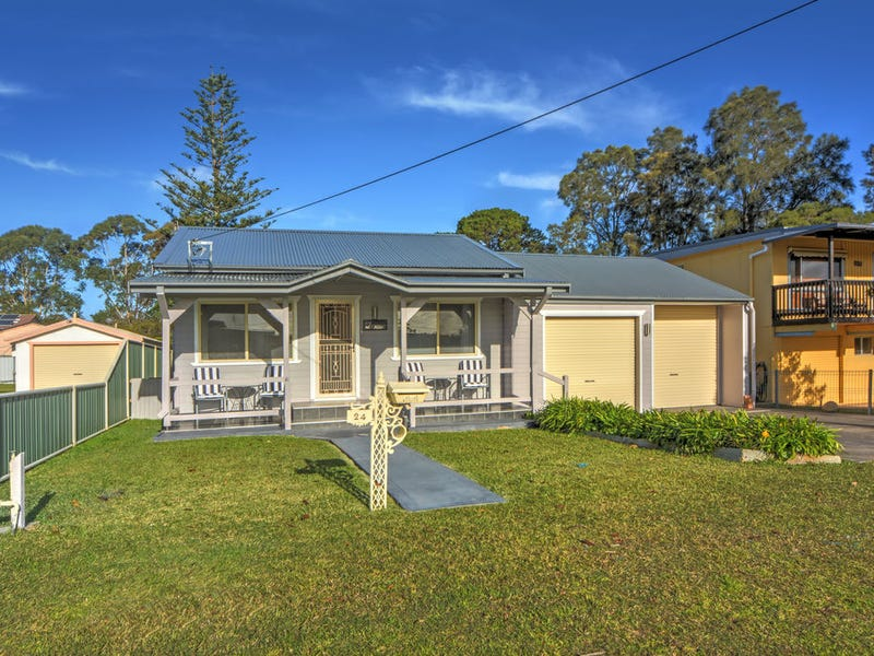 24 Lyons Road, Sussex Inlet