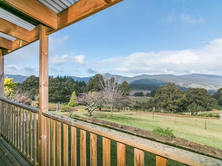 17 Crouches Hill Road, Lucaston, Tas 7109