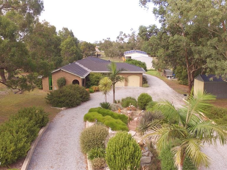 8 Browns Road, Devon Meadows, Vic 3977