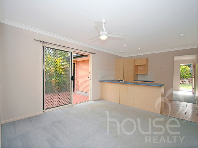 19 Creswick Place, Bellbowrie, Qld 4070