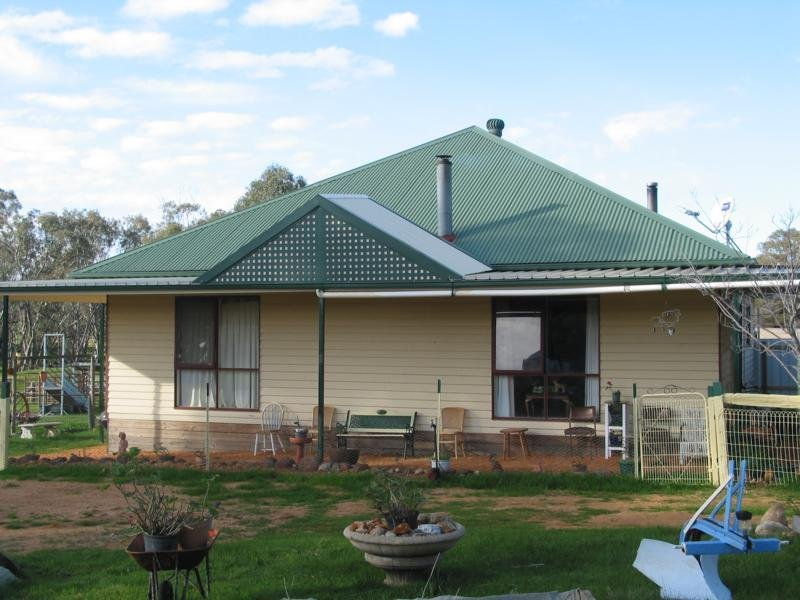 Address available on request, Emu, Vic 3475