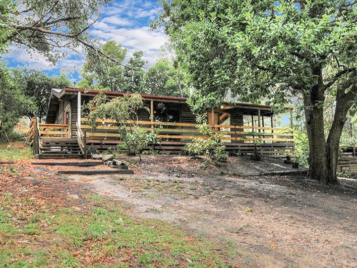 113 Lowes Road, Chum Creek, Vic 3777