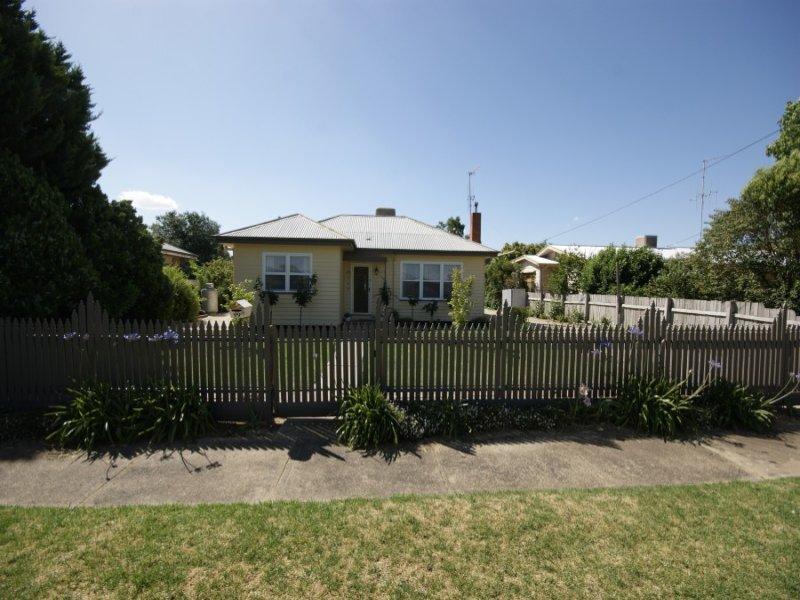 99 Hunter St Deniliquin NSW 2710