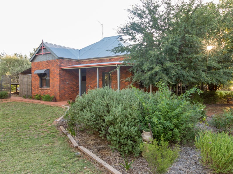 1843 Millwood Rd, Coolamon, NSW 2701