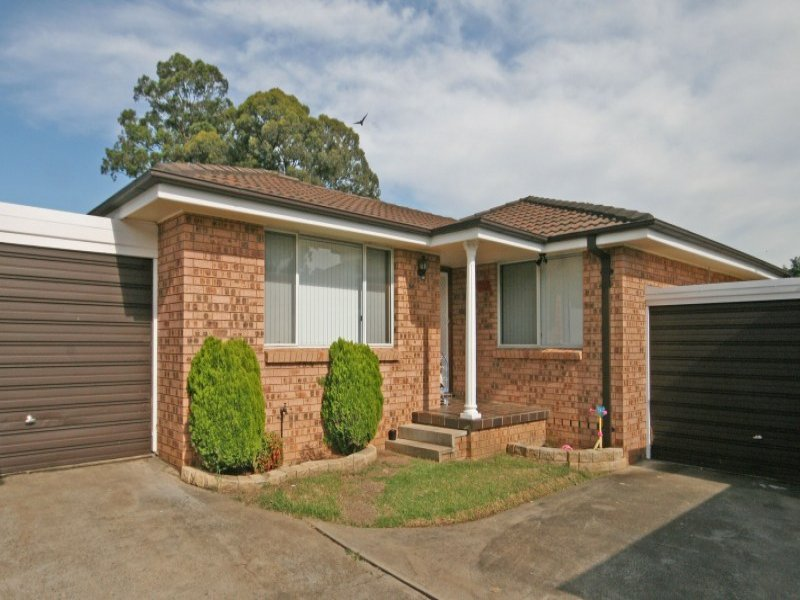 11/4 Sitella Place, Ingleburn, NSW 2565