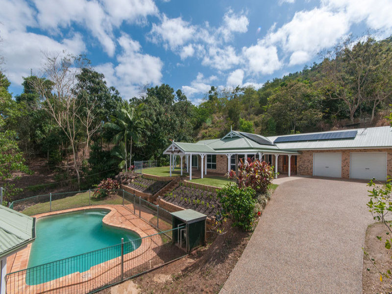 9-11 Mt William Close, Redlynch, Qld 4870