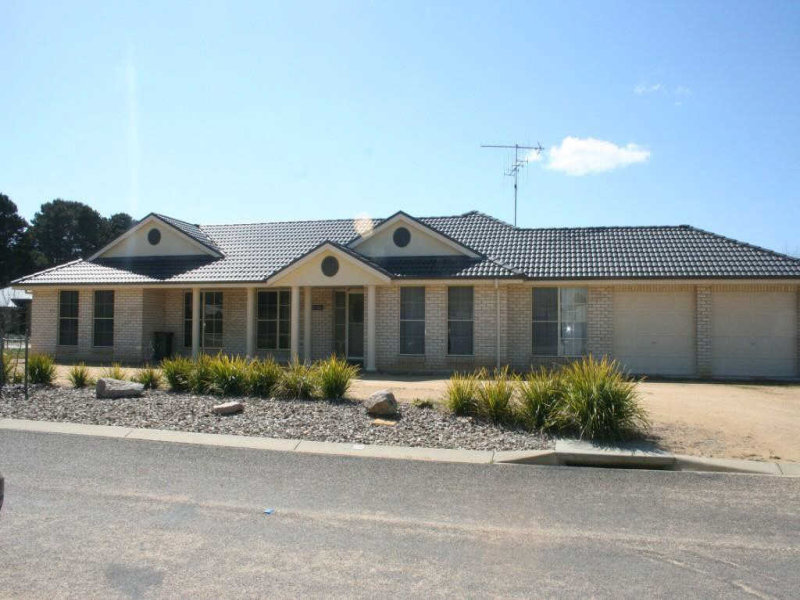 17 Day Circuit, Bungendore, NSW 2621