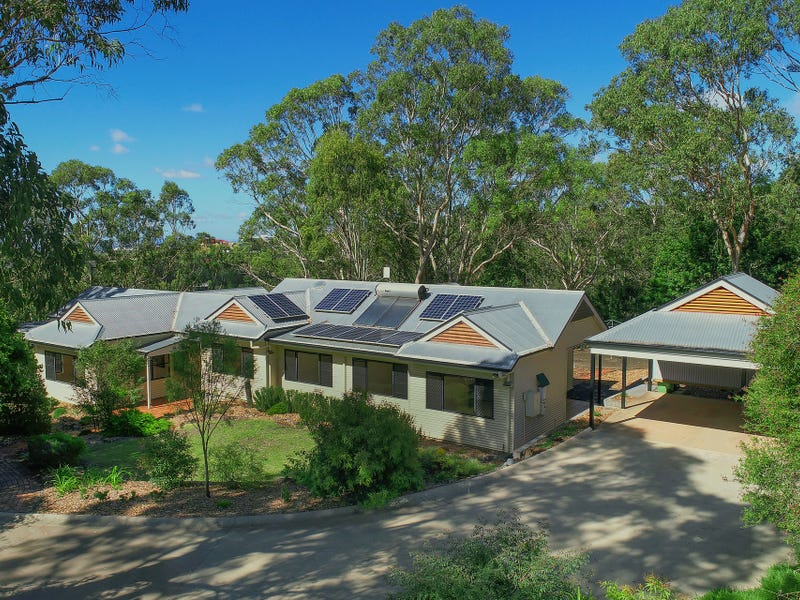 9 Vayro Road, Blue Mountain Heights, Qld 4350