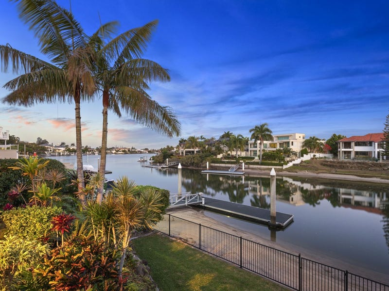 8 Rowes Court, Sorrento, Qld 4217