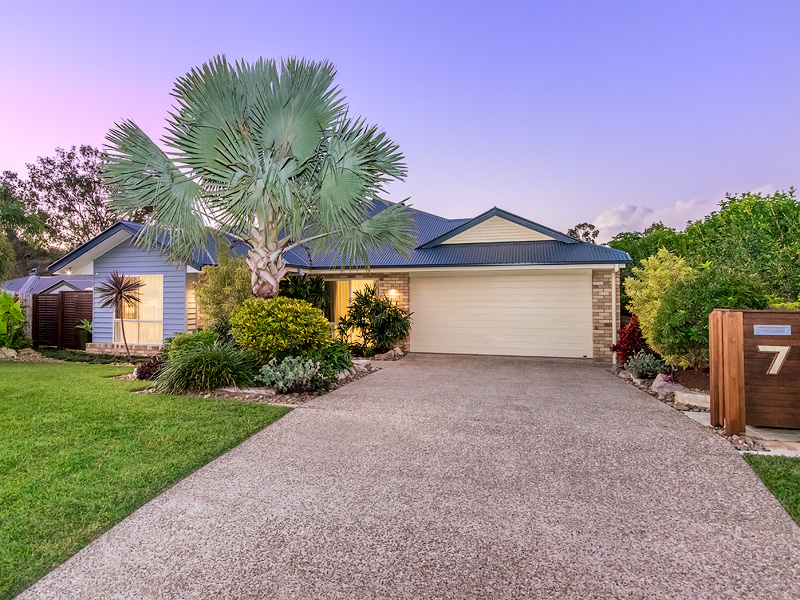 7 Joshua Place, Oxenford, Qld 4210