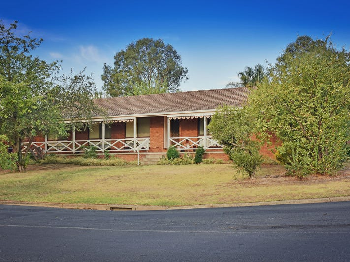 534 Spurrway Drive, West Albury, NSW 2640