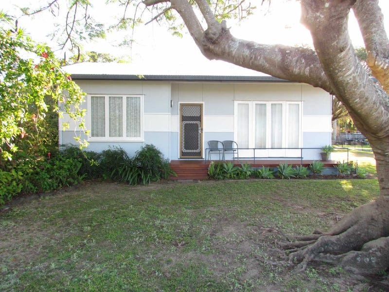 240  Milton Street, South Mackay, Qld 4740