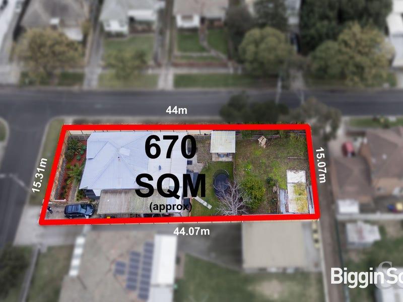 32 Oakland Street, Maribyrnong, Vic 3032