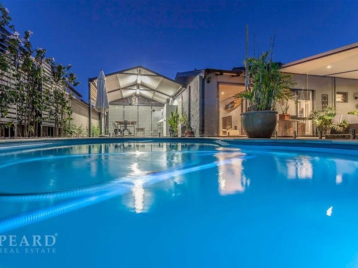 4 Peppermint Drive, Greenwood