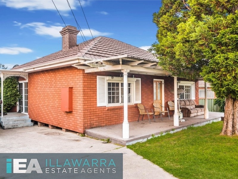 72 Mount Keira Road, West Wollongong, NSW 2500