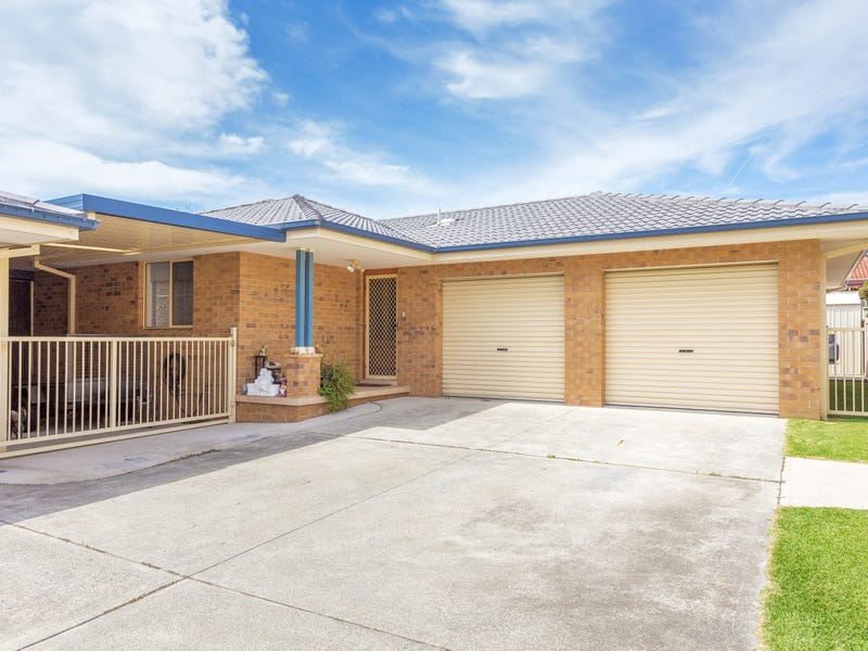 2/64 Old Bar Road, Old Bar, NSW 2430