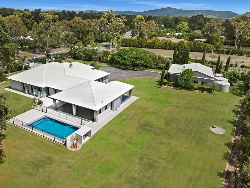 1 Exford Court, Cooroibah, Qld 4565