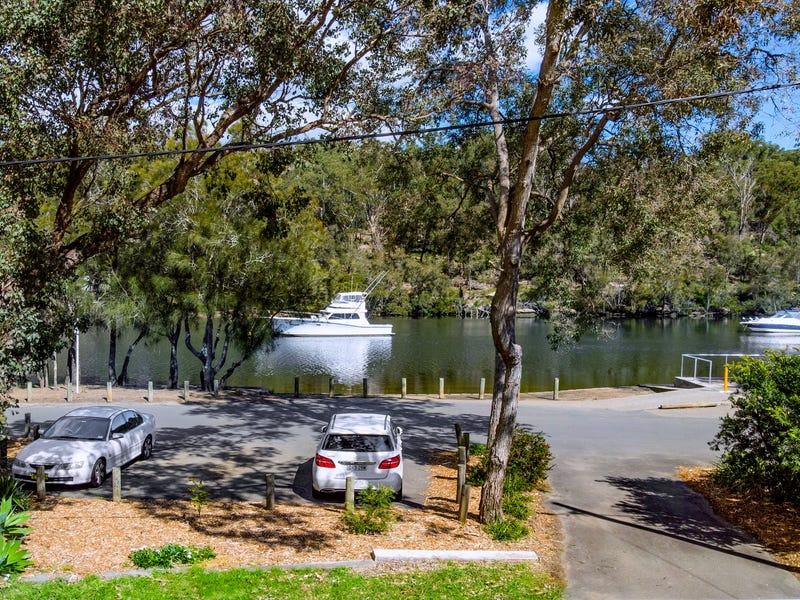 35 Carinya Rd, Picnic Point, NSW 2213