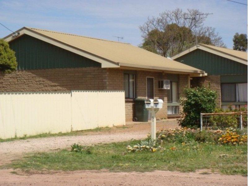 Unit 1 & 2, 31 Progress Street, Yanco, NSW 2703