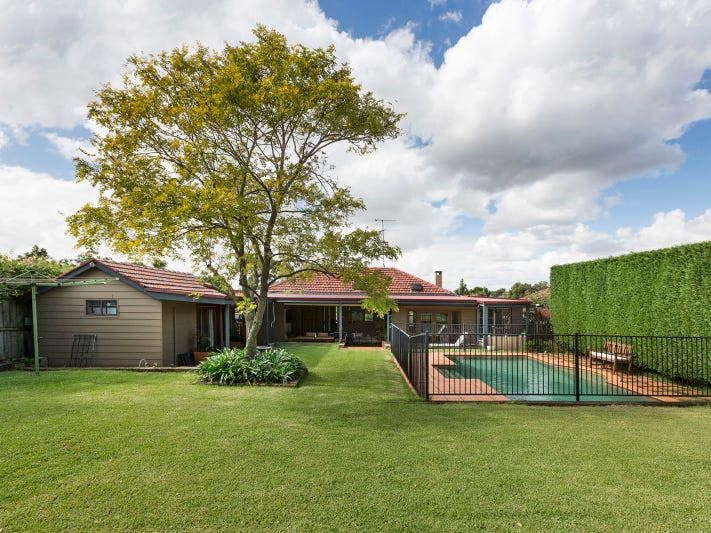 16 Beattie Avenue, Denistone East, NSW 2112