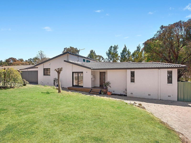 9 McArthur Place, Latham, ACT 2615