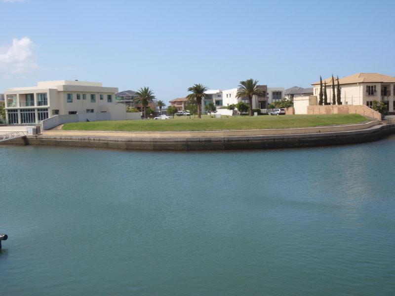 15-19 Royal Albert Court, Sovereign Islands, Qld 4216