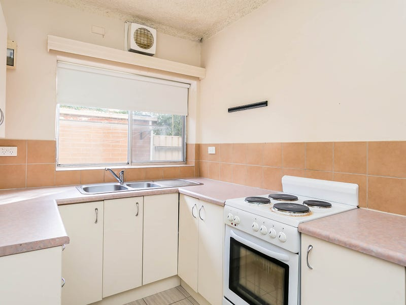 1/16 Russell Street East, Rosewater