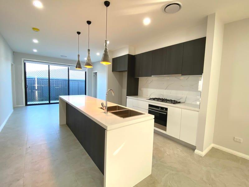 1/30 Persea Avenue, Riverstone, NSW 2765