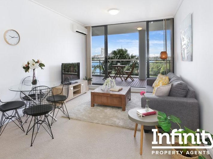 6/27 Bennalong Parkway, Wentworth Point, NSW 2127