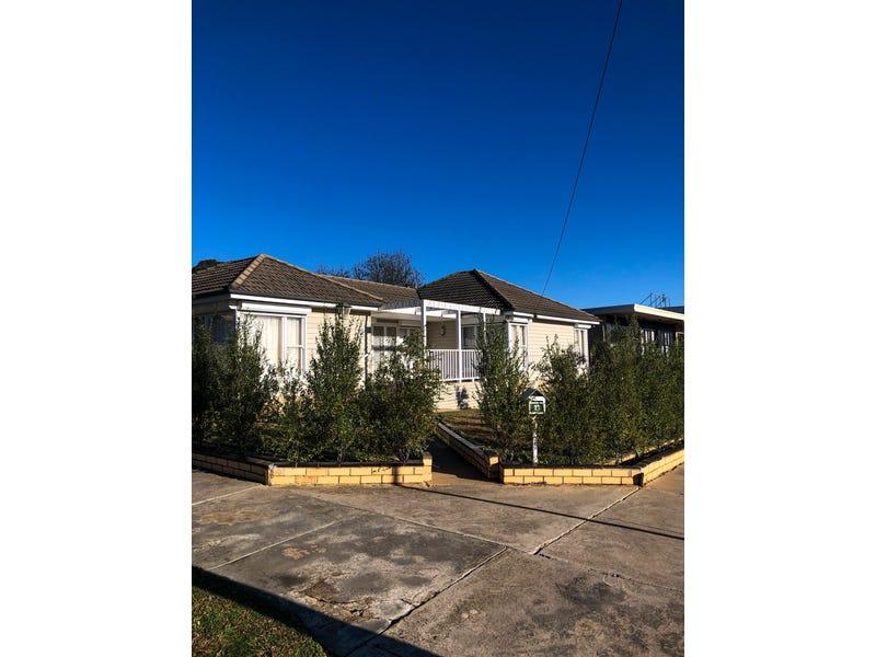 13 Lowndes Street, Kennington, Vic 3550