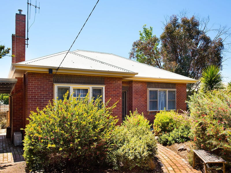 17 Adams Street, Castlemaine, Vic 3450