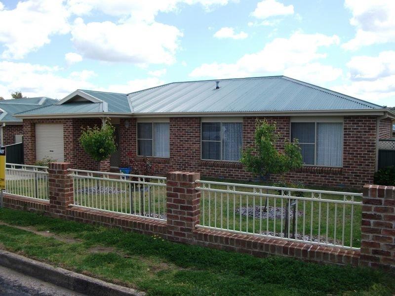 5 Miro Street, Young, NSW 2594