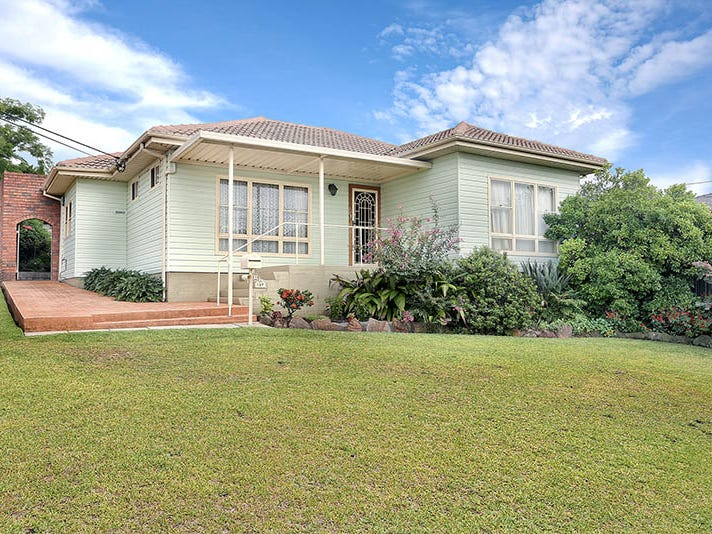 137 The Boulevarde, Fairfield Heights, NSW 2165