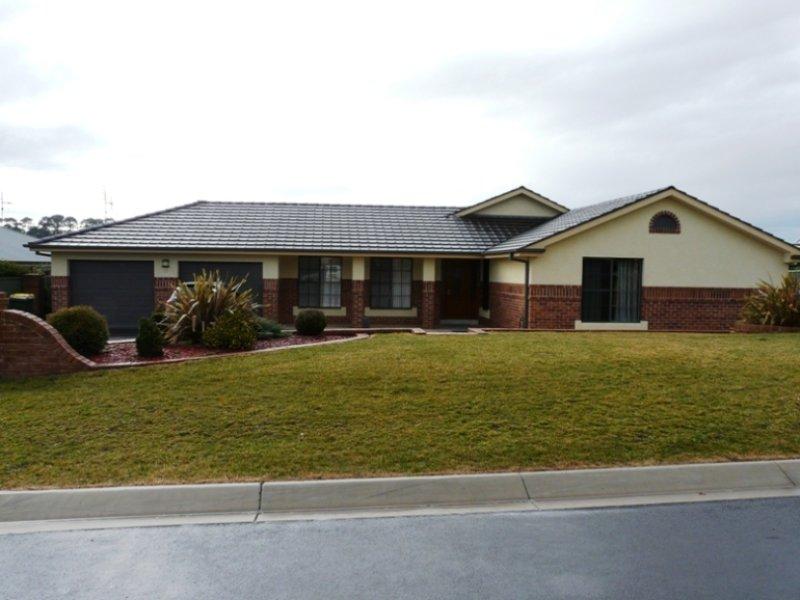 25 Hughes Street, Kelso, NSW 2795