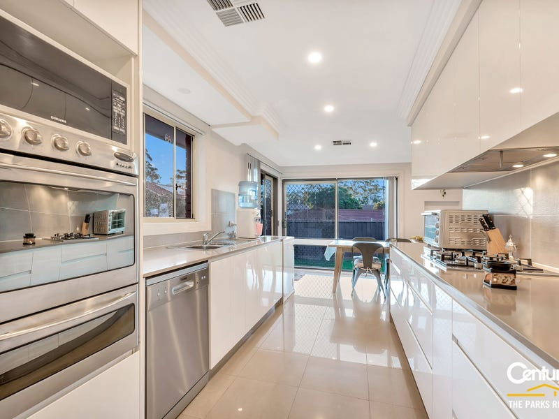 21 Greenfield Road, Greenfield Park, NSW 2176