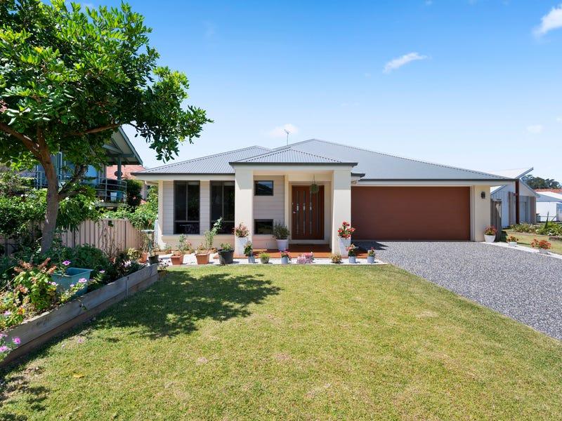 7 Mackerel Crescent, Korora, NSW 2450
