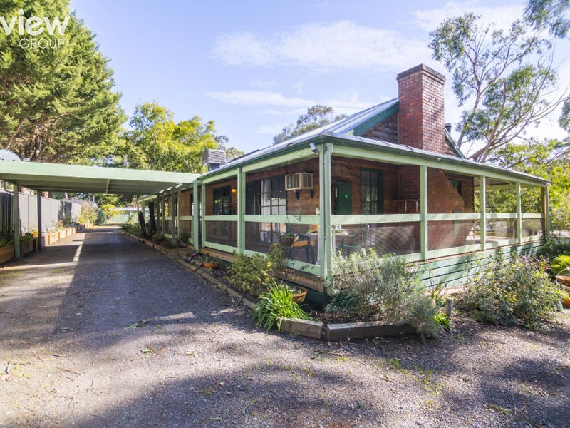 2 Swiss Chalet Road, Healesville, Vic 3777