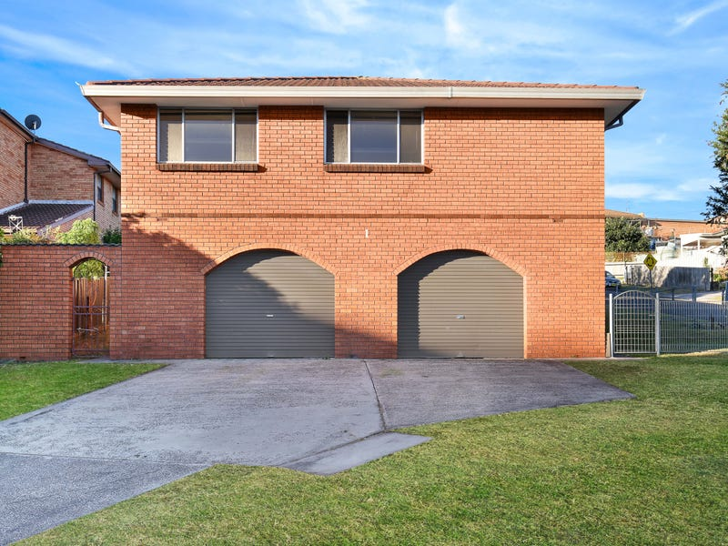 1 Melinda Grove, Lake Heights, NSW 2502