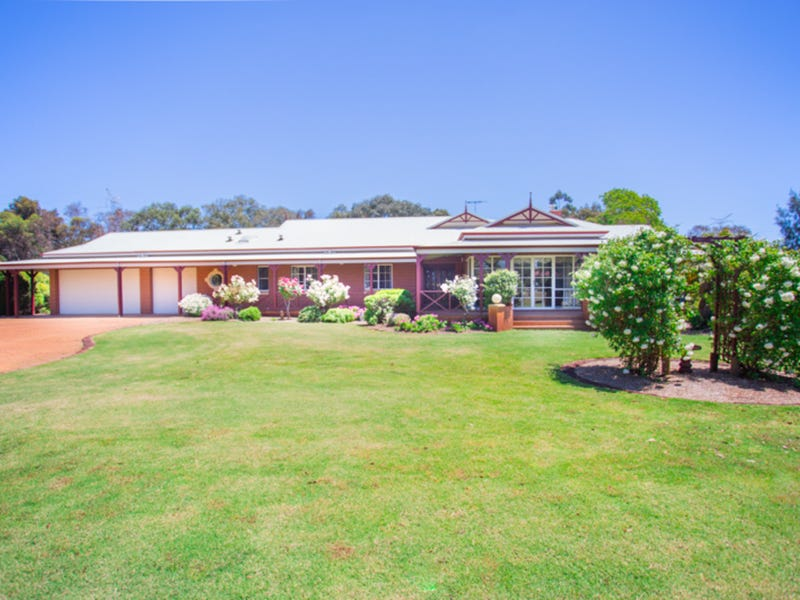 62 Country Drive, Oakford