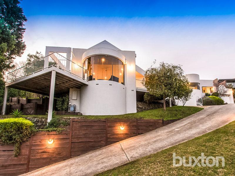 Australia 39 s largest list of properties to buy or rent for 23 watersedge terrace highton