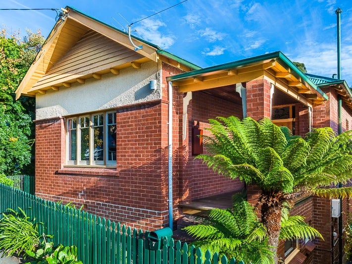 7 Cato Avenue, West Hobart, Tas 7000