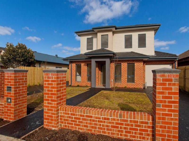 1/67 Hawker Street, Airport West