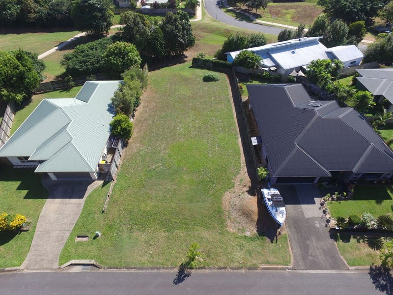 8 Tyrconnell Crescent, Redlynch, Qld 4870