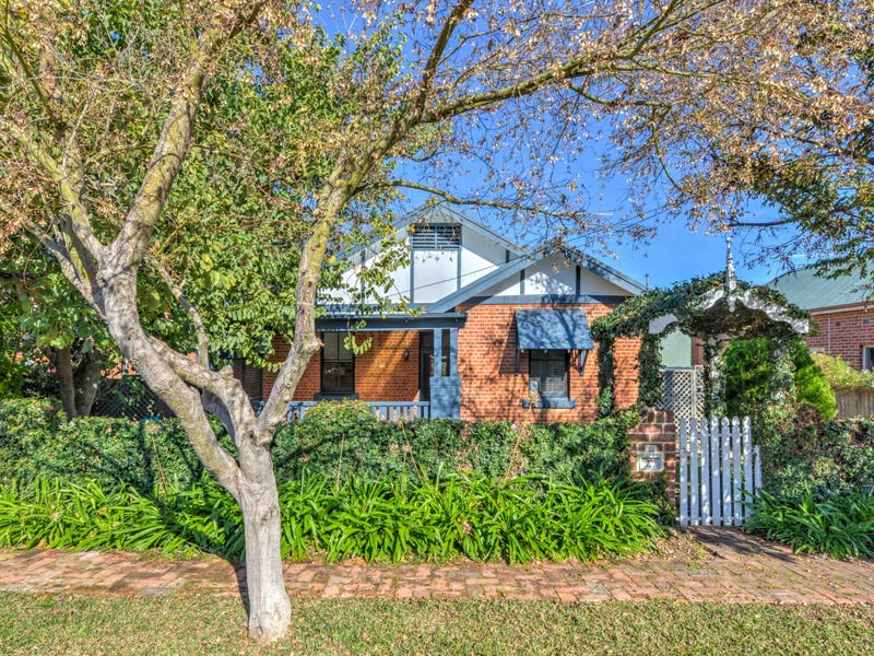 61 Rawson Avenue, Tamworth, NSW 2340