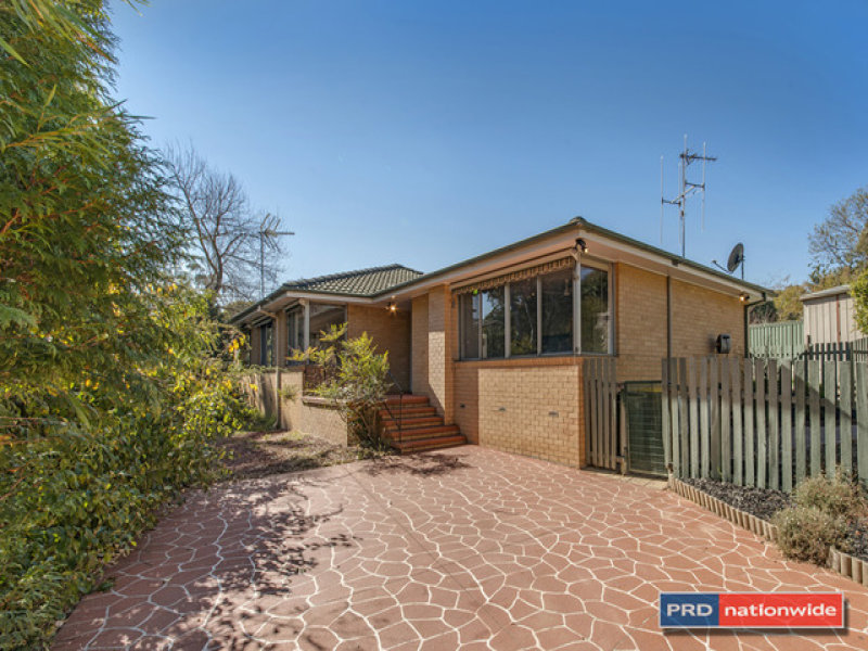 12 Wallis Place, Spence, ACT 2615