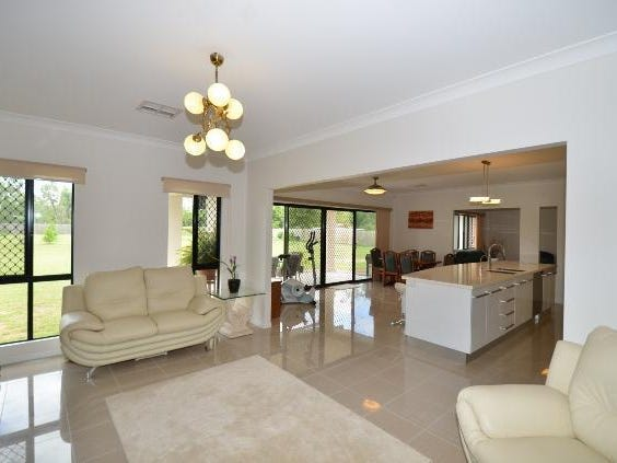 73 Blue Mountain Drive, Bluewater Park, Qld 4818