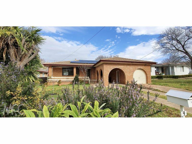 9 Benelong Place, Orange, NSW 2800