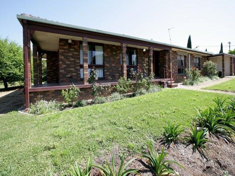 61 Red Hill Road, Wagga Wagga, NSW 2650
