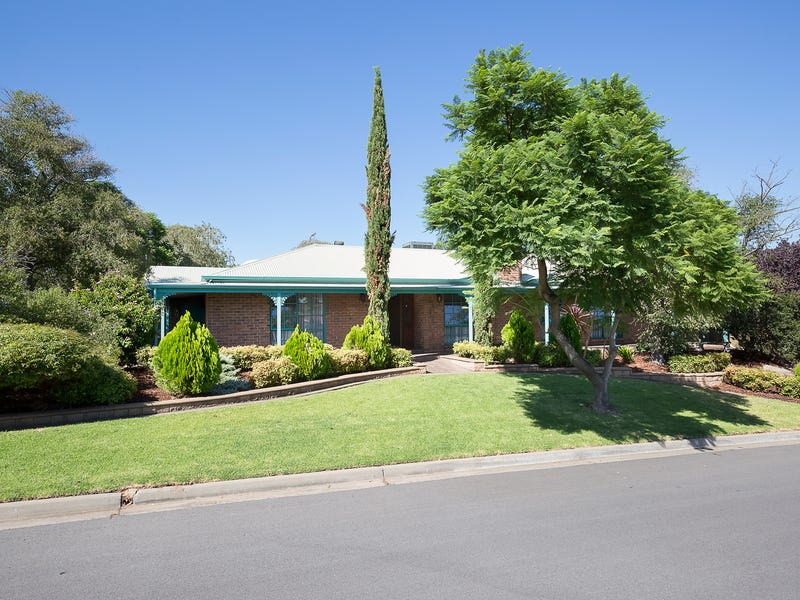 2 Parry Crescent, Redwood Park, SA 5097